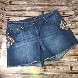 Seven 7 embroidered shorts cutoff raw hem size 20